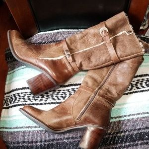 MATISSE DISTRESSED HEELED BOOT size 10
